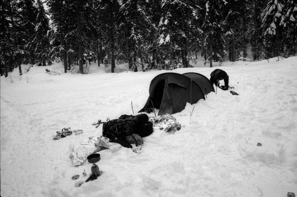 tente dans la neige