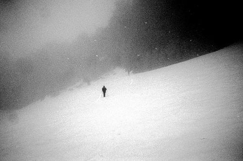 montée dans le brouillard