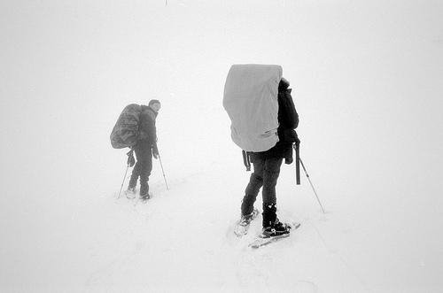 Montée au col d'Hurtières dans le brouillard