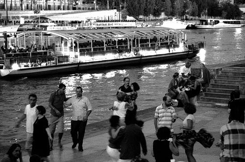 People are dancing in Paris