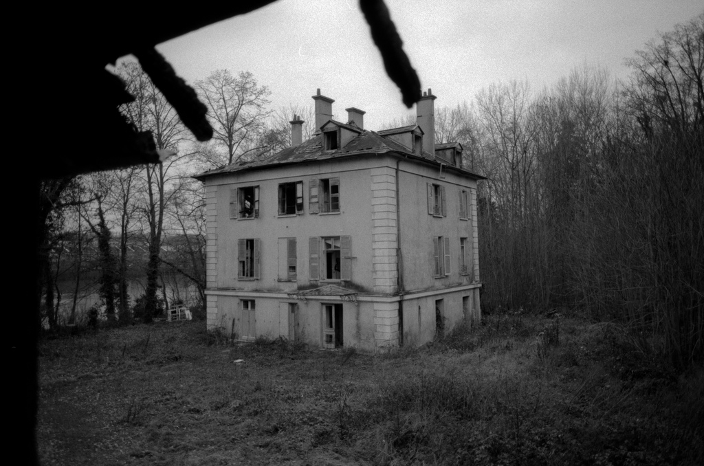 Abandonned houses in the forest
