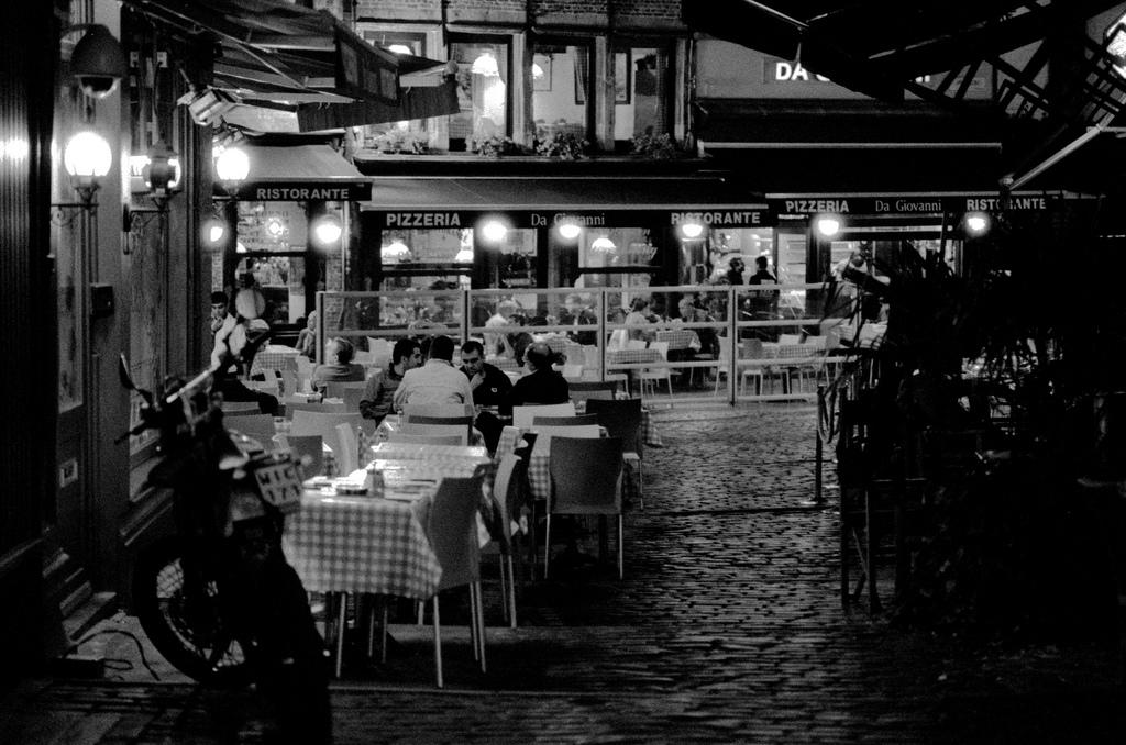 Antwerpen at night