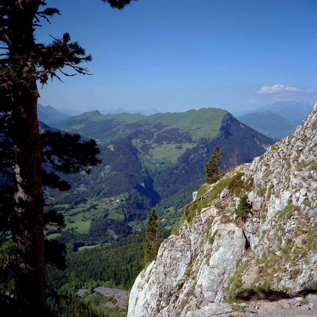 Au milieu de la montée sur le Mont Aiguille